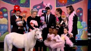 getlinkyoutube.com-One Direction Funniest Moments
