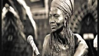 Brenda Fassie - Mama I'm Sorry - South Afrika2.webm