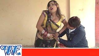 getlinkyoutube.com-इन्जेक्शन लगावे कमरिये में Injection Lagawe Kamariye Me - Valentine Ke Phul - Bhojpuri Hot Songs HD