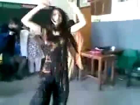 Paki School Girl Sexy Dance - YouTube.flv