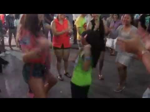 Lady vs Girl-Khmer New Year 2014_Pub Street Siem Reap_street dance_Part1