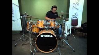 Daniel Rojas ( tocando- Despierta )