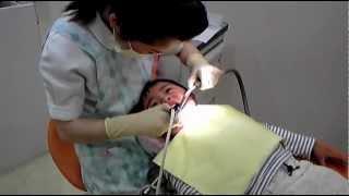 100405 2才8ヶ月 歯医者でシ-ラント 일본칫과 아이 실란트치료