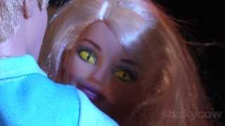 getlinkyoutube.com-Barbie's Having a Bad Day: A Thriller Parody for Halloween - Barbie Stop Motion animation Shakycow