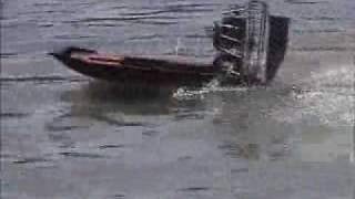 getlinkyoutube.com-23cc rc airboat1.wmv