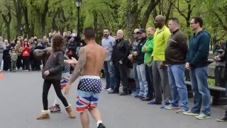 getlinkyoutube.com-New York - Street Acrobat performance - Central Park - PART 1