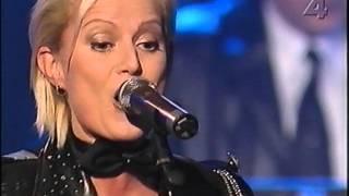 getlinkyoutube.com-Carina Jaarnek uppträder på nyårsdans 2000