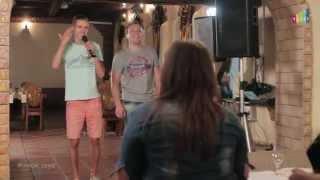 getlinkyoutube.com-Вот так надо петь в караоке! Парни исполнили для девушек необыкновенную