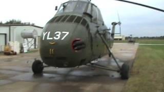 getlinkyoutube.com-Sikorsky UH-34D Helicopter Startup