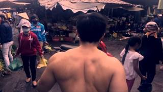 getlinkyoutube.com-MIRING GAINS - (S)trolling in Vietnam while almost getting his penis cut off