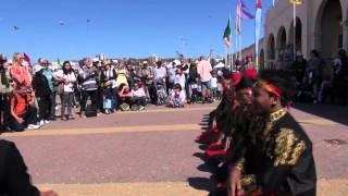 getlinkyoutube.com-Saman Dance from Aceh at Festival of the Winds, Bondi Beach, Sidney, Australia.
