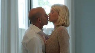 getlinkyoutube.com-유부남과 창녀의 아슬아슬한 욕망 그린 '어느 창녀의 하루' 예고편(Some Velvet Morning Official Trailer)