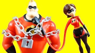 Incredibles 2 Toys With Chain Bustin' Mr. Incredible Stretch Arm Elastigirl + Trouble At The Batcave width=