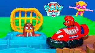 getlinkyoutube.com-PAW PATROL Nickelodeon Skye and Zuma Roll Patrol Rescue New Toys Video
