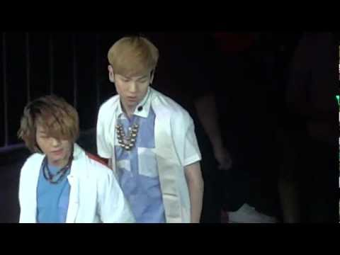 [FANCAM] 120520 SMTOWN SHINee SHINEE WORLD Rock Ver. CUT