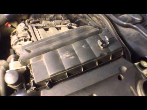 Расположение у Mercedes SLC прокладки клапанной крышки