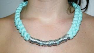 getlinkyoutube.com-DIY  Collar con Trapillo