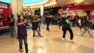 Chuck E. Cheese baila en Plaza Norte