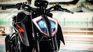 getlinkyoutube.com-2017 KTM 1290 Super Duke R (The wheelie king!)