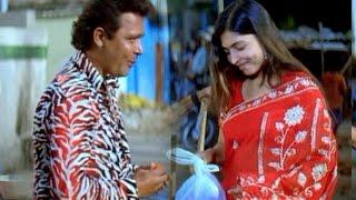 getlinkyoutube.com-Berozgaar hyaderabadi Movie    Mast Ali Flirting With Aunty Comedy Scene
