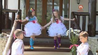 getlinkyoutube.com-Alexandrina Palcă și Felicia Caldîba la LOLLI POPS  Mi a adus bădița flori