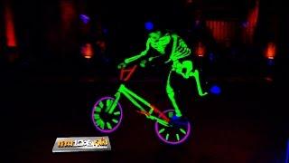 "getlinkyoutube.com-โชว์.. ""จักรยาน FLATLAND BLACKLIGHT by ปิ๊ง"" ..{ เกมพันหน้า 5 ต.ค. 57 }_ part 2"