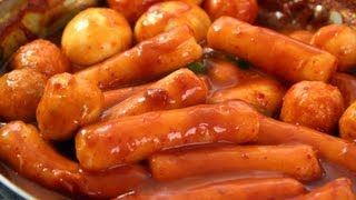 Spicy rice cake (Ddeokbokki: 떡볶이)