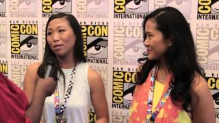 getlinkyoutube.com-Geeking Out: SDCC Steven Universe Interview w/Deedee Magno Hall (Pearl) & Michaela Dietz (Amethyst)