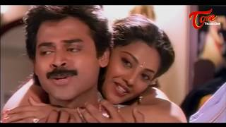 Meena Trails to Attract Venkatesh || Best Romantic Scene of Tollywood #21
