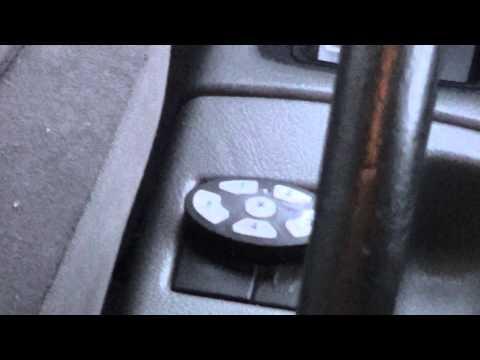 Замена лампочки в консоли Suzuki Baleno