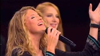 "getlinkyoutube.com-THE COLLINGSWORTH FAMILY   SINGING (""AT CALVARY"")"