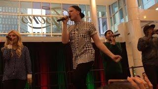 Pentatonix - Hark! The Herald Angels Sing (12/5/14)