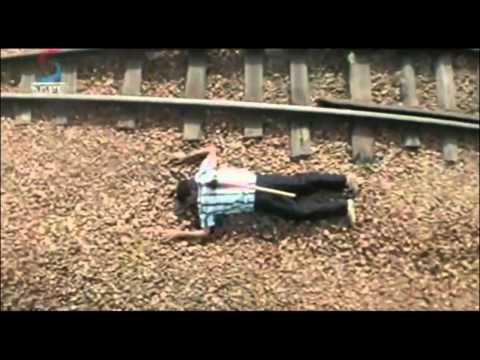 'Phir Hogi Pyar Ki Jeet' Movie Scene | Hero and Heroine Chased by Goons