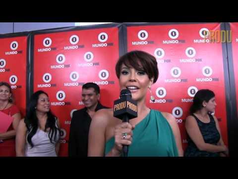 Actriz colombiana Cristina Umaña ahora en 'El capo 2' habla desde la alfombra roja de MundoFox