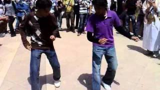 getlinkyoutube.com-احلى رقص يمني بجامعه العلوم والكنولوجيا الاردنيه