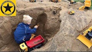 getlinkyoutube.com-BRUDER Toys Tunnel Project bworld CONSTRUCTION Progress Cat-Excavator Loader Backhoe