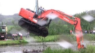 getlinkyoutube.com-The Tale Of The Stuck Excavator. The Rescue Part 1