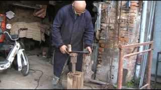 getlinkyoutube.com-Costruzione di un tornio per legno economico