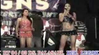 getlinkyoutube.com-Dangdut Hot Maya & Mala - Matahariku