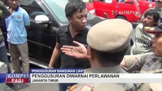 Polisi Mengamuk Saat Toko Digusur