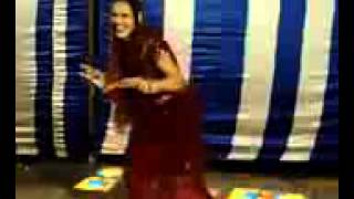 getlinkyoutube.com-High Quality   Saat Samundar Paar Remix, Amazing Dance by Desi Lady, Gaon ki shakira Mobile)