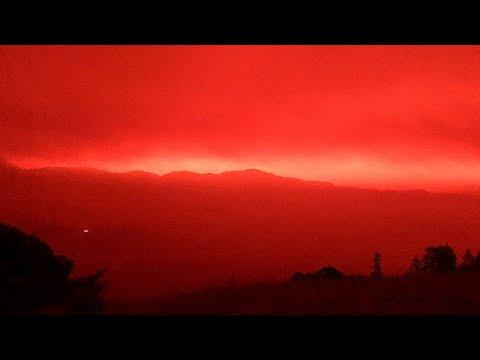 Implacáveis incêndios florestais na Califórnia, são considerados os piores de todos os tempos