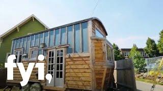 getlinkyoutube.com-Tiny House Hunting: Luxuriously Tiny in Portland | FYI