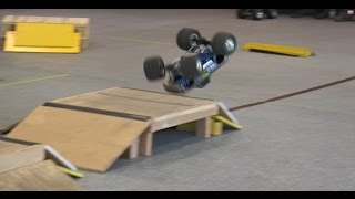 getlinkyoutube.com-Trigger King R/C Monster Trucks - BIGFOOT Super Crush Sunday - Modern Monster Trucks - Freestyle