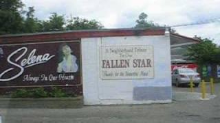 getlinkyoutube.com-A tour of Selena's grave and memorial