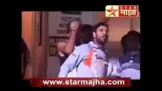 getlinkyoutube.com-Indian Cricket dressing room funny moment