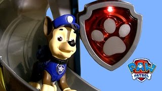 getlinkyoutube.com-Paw Patrol LookOut Playset by Nickelodeon with Police Dog Chase, Tower & Disney Pixar Cars