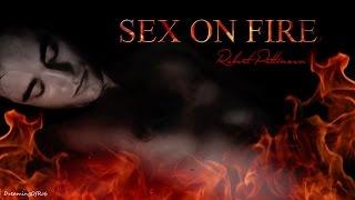 getlinkyoutube.com-Robert Pattinson - Sex on Fire