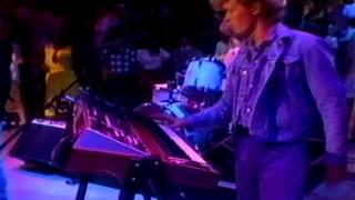 getlinkyoutube.com-Take On Me - A ha! (American Bandstand 1985)