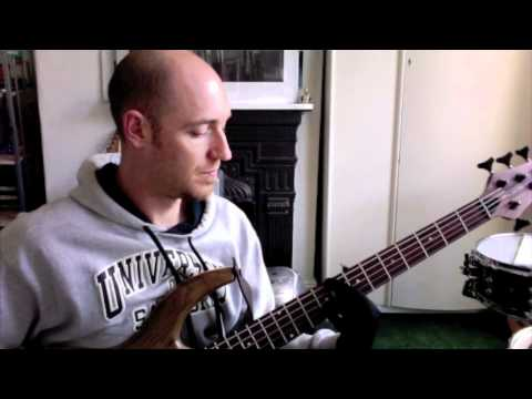 'How to practice scales' pt1 - BASS LESSON with Scott Devine